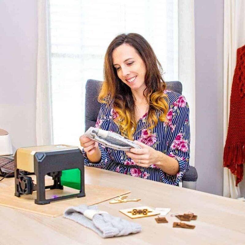 Laser engraver for crafts