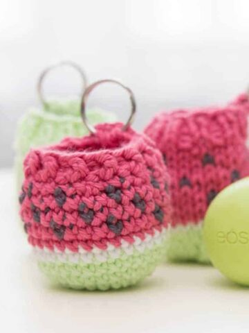 eos crochet lip balm holder