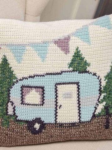 camper pillow crochet pattern