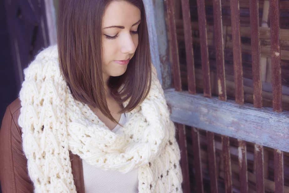 Alamos Crochet Big Scarf