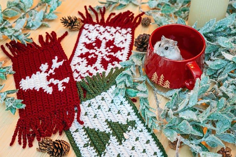 Holiday Mug Rug Crochet Pattern