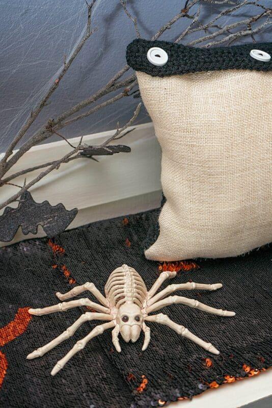 Spooky Crochet Pillow cover Free Pattern_0300