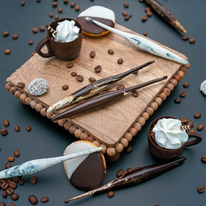 Furls Streamline Swirl Cafe Cookies and Cream