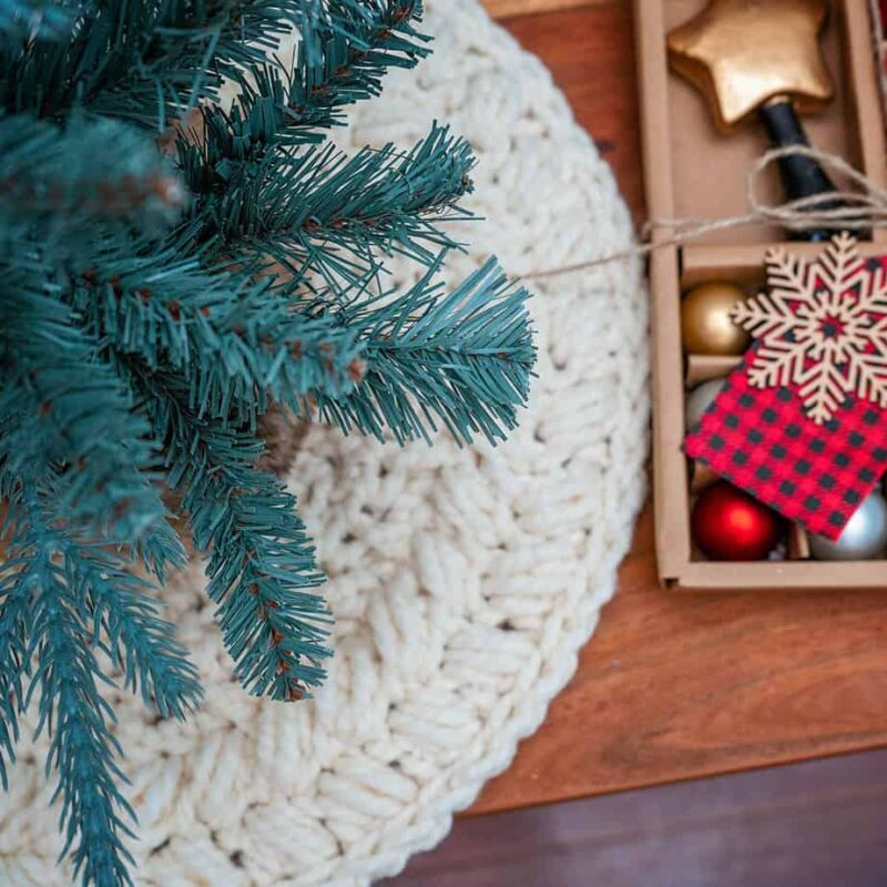 Wreath Tree Skirt