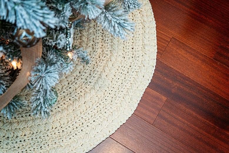 Wreath Tree Skirt